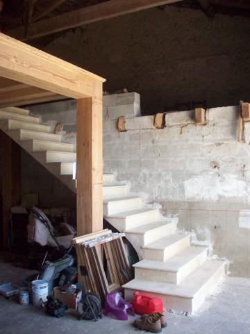 Escalier en voute sarrasine, réalisé par Clément Thienpont / www.thienpont-tailledepierre.com